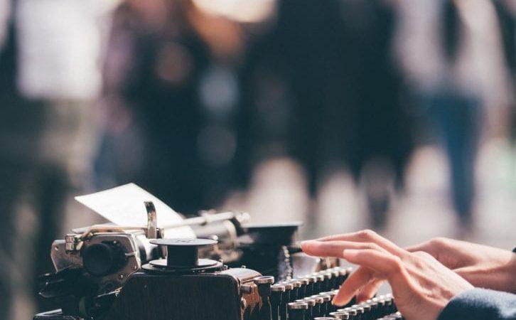 Tenir un blog.